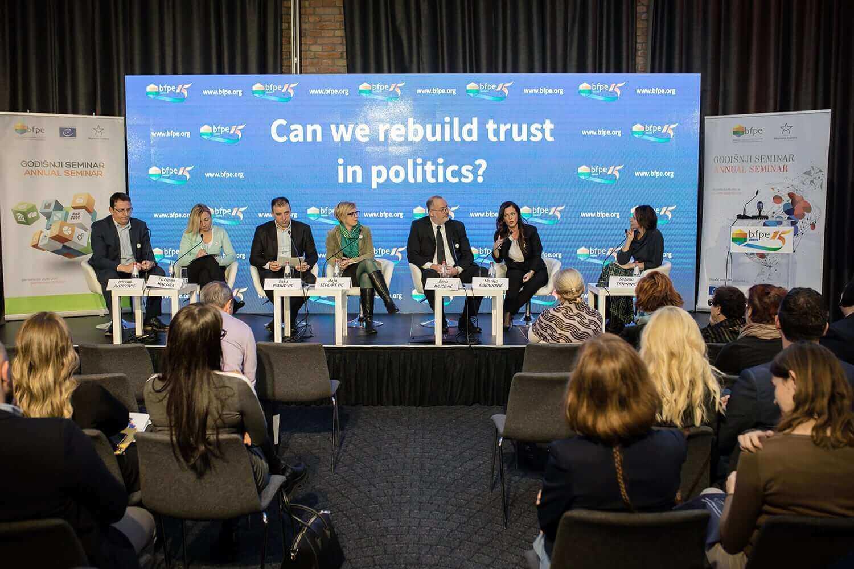 15 godina političkog obrazovanja u Srbiji: možemo li povratiti poverenje u politiku?