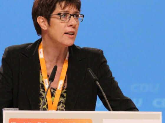 Ko je nova predsednica nemačkog CDU i buduća kancelarka?