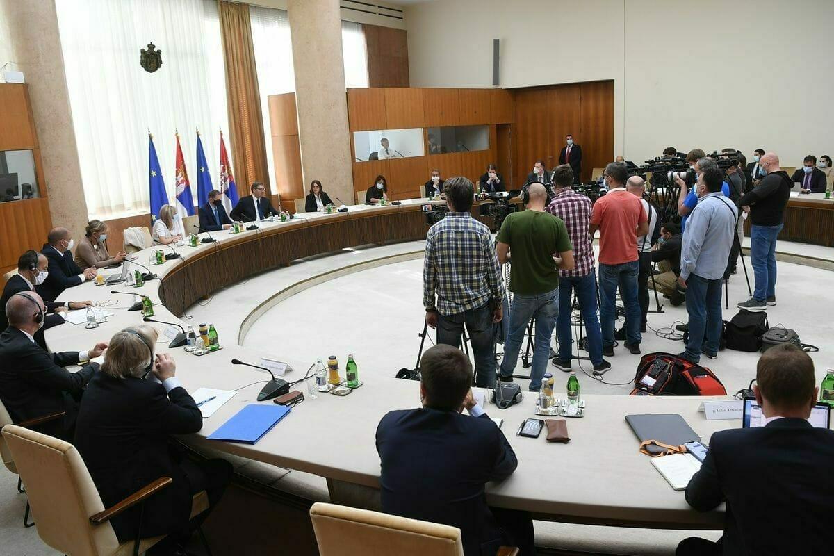 Izlaganje na sastanku radnih grupa 31 i 35 Nacionalnog konventa sa Predsednikom Republike Srbije