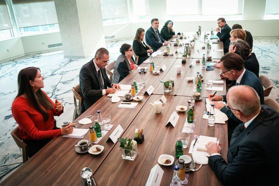 """Sastanak Merkelove sa OCD bio """"sadržajan i iskren"""", potvrdio važnost civilnog društva u regionu"""